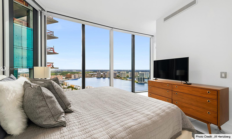 09-Porsche-Design-Tower-2021-Residence