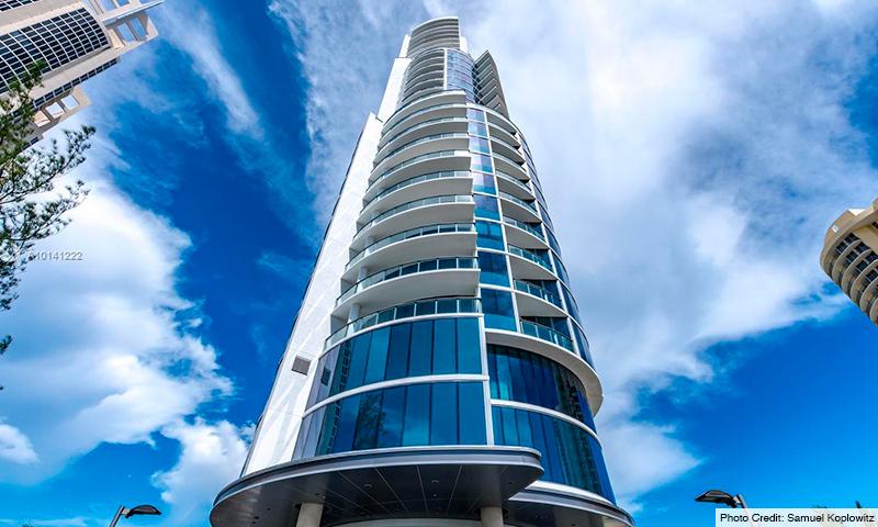 02-Chateau-Beach-2021-Building