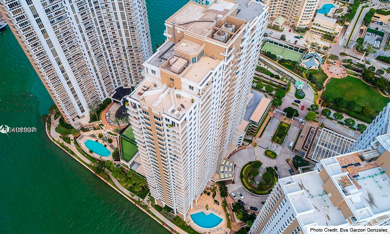 02-Courts-at-Brickell-Key-2021-Building