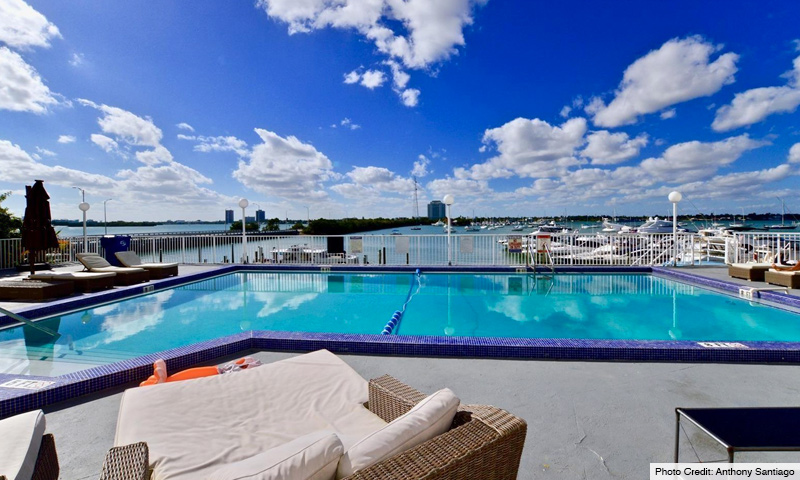 03-Bayshore-Yacht-and-Tennis-Club-Pool