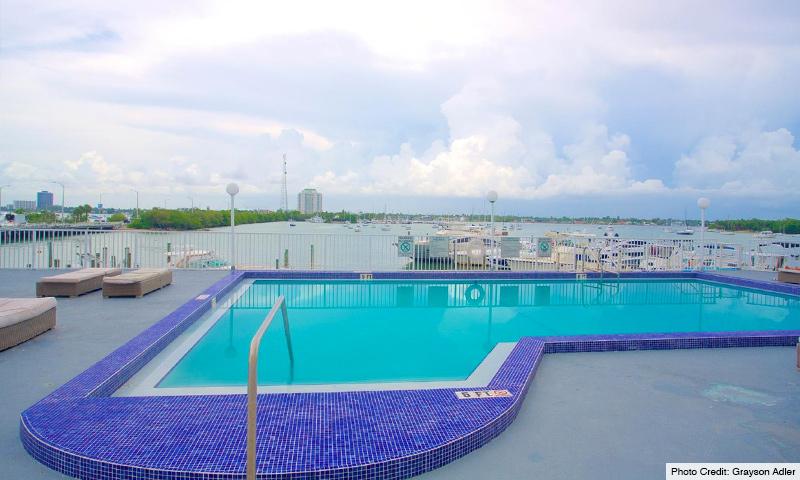 04-Bayshore-Yacht-and-Tennis-Club-Pool